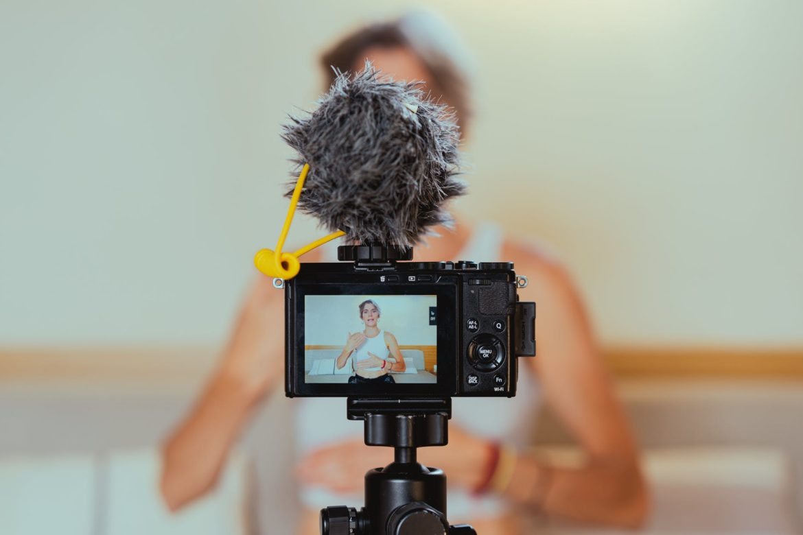 How to Tips: Optimizing Videos as an SEO Factor - pexels photo 7261084 1170x780